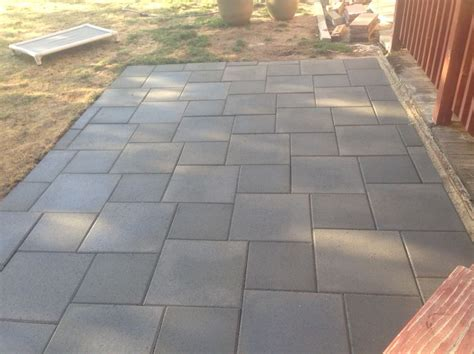 Concrete Patio Pavers by Patio Of Inexpensive Concrete Pavers Pinteres