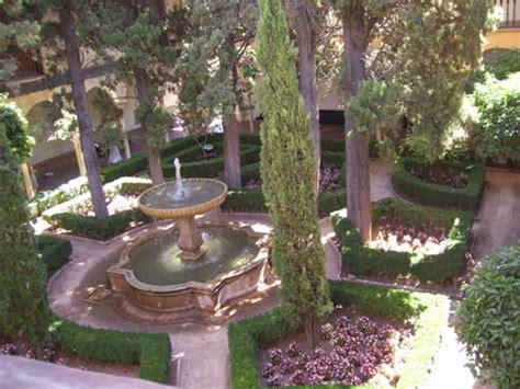 greek backyard designs mediterranean courtyard gardens designs 17 and 18 aug