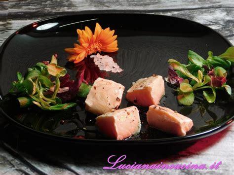 piastra di sale rosa per cucinare piastra di sale rosa con cubetti di salmone luciana in
