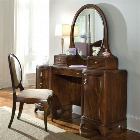 Lighted Vanity Table by Makeup Vanity Table With Lighted Mirror Mirror
