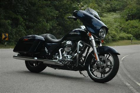 Harley Davidson Street Glide launched at Rs 29 lakh   Bike