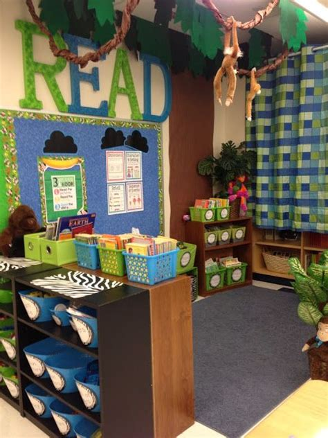 jungle theme classroom decorations jungle themed classroom reveal lots of pictures links