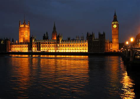 great london buildings the palace of westminster the file palaceofwestminsteratnight jpg wikimedia commons