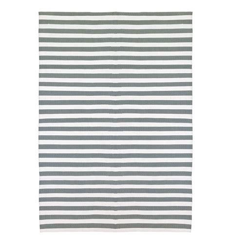 teppich grau weiß gestreift kunststoffteppich in out schwarz wei 223
