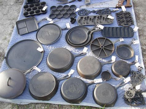 cast iron cooking cast iron cookware i want that cast iron pizza pan