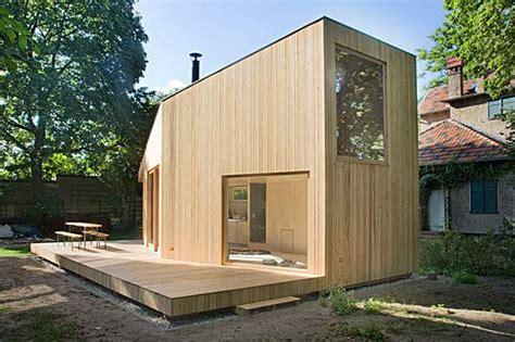 minihaus selber bauen wohntrend leben im mini haus acht quadratmeter gl 252 ck