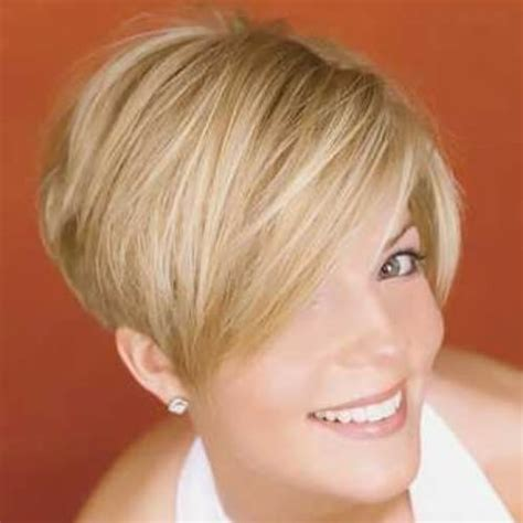 hairstyle wedge at back bangs at side angled bob haircut