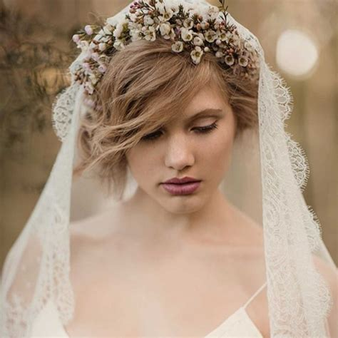 hairstyles with mantilla veil 25 best ideas about mantilla veil hair on pinterest