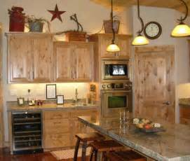 Decorating Kitchen Cabinets by Decorating Above Kitchen Cabinets Tuscan Style Decolover Net