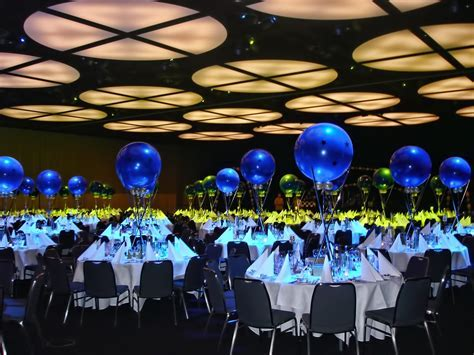 Table decor and centerpieces for your corporate event can