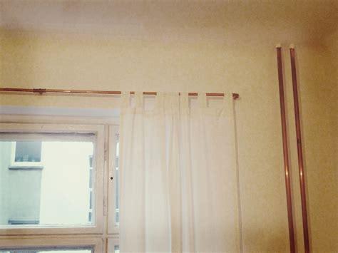 gardinenstange uber eck anbringen kupfer oh kupfer meine neue gardinenstange monochrome