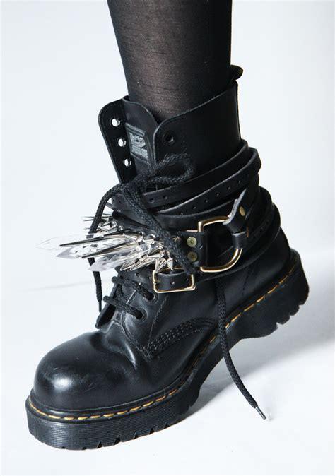 style boots modern grunge style boots wardrobelooks