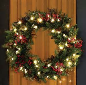 50 amazing christmas wreath decorating ideas 2016