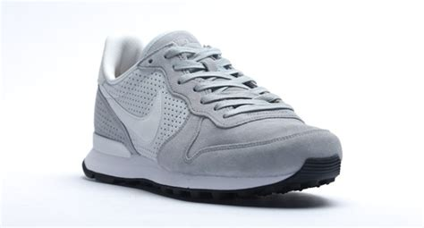 Lumiere Phantom Grey nike internationalist lx wolf gris noir factory