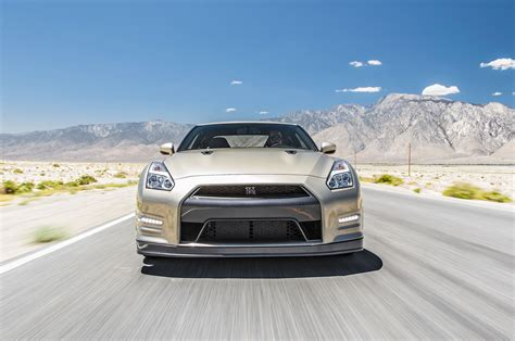 Nissan Gtr Luxury Edition 2016 Nissan Gt R Reviews And Rating Motor Trend