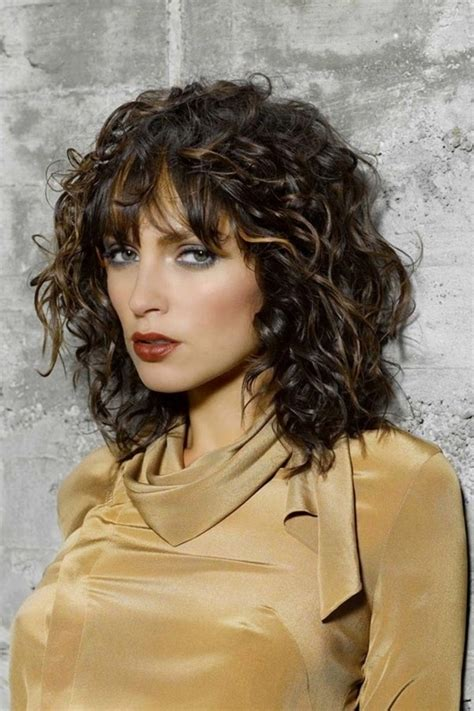 Hairstyles For Shoulder Length Curly Hair by Shoulder Length Curly Hair With Bangs Anyomax