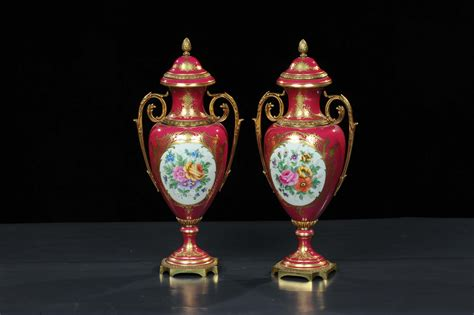vasi sevres coppia di vasi biansati in ceramica di sevres xix secolo
