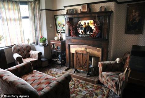 1930 homes interior inside the 1930s house of blackpool s aaron whiteside daily mail