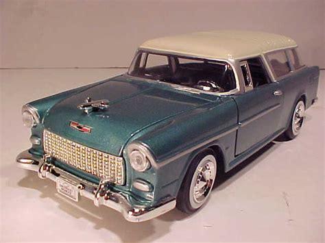 124 Chevy Bel Air 1955 Redwhite Motormax world classic toys chevrolet chevy bel air diecast