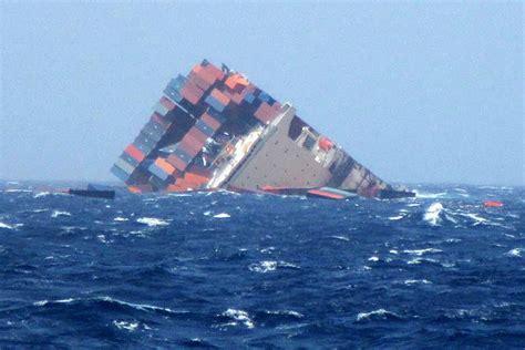 schip brand canarische eilanden zwitserw maritiem containerschip mol comfort breekt in twee 235 n