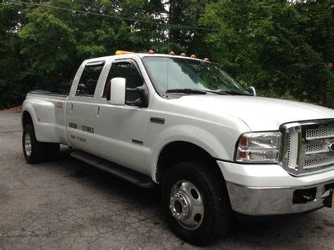 find   ford  super duty pickup lariet dually