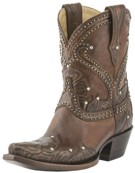 comfortable cowgirl boots best 25 short cowboy boots ideas on pinterest ankle