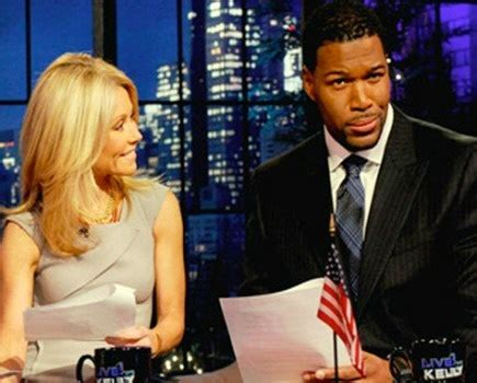 micheal strahan hair style it s official michael strahan replaces regis philbin as