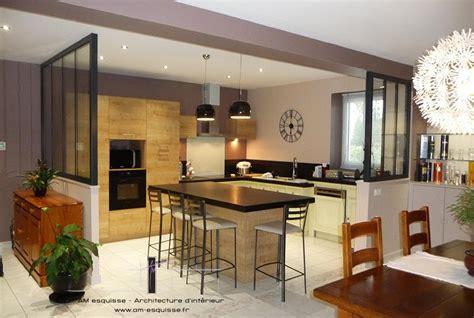 s駱aration vitr馥 entre cuisine et salon cuisine ouverte avec verri 232 re design maison