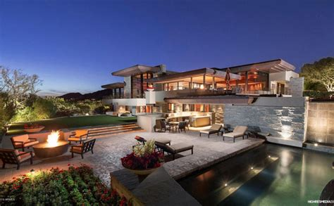 10 000 square foot contemporary mansion in paradise valley