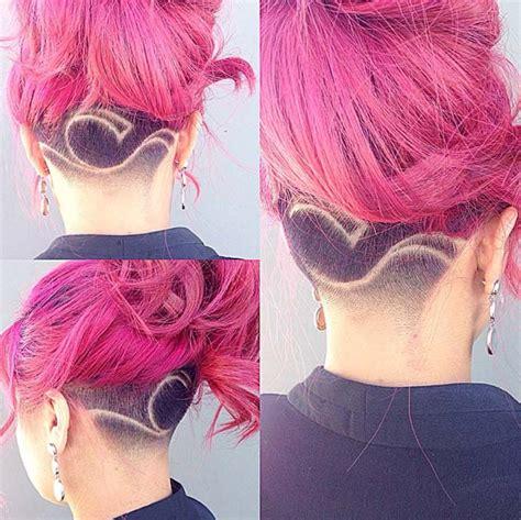 w cut in back of head top trend kter 253 bude frčet i po l 233 tě skryt 233 vlasov 201
