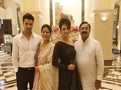 vivek dahiya with his wife vivek dahiya can t take his eyes off wife divyanka