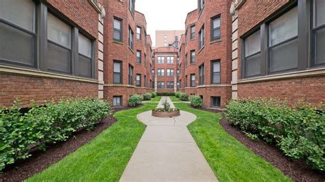 apartment courtyard evanston apartment review 1576 oak ave downtown
