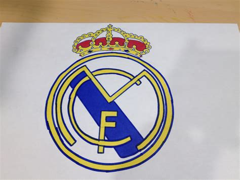 how to draw the real madrid logo using ballpoint pens how to draw the real madrid logo logo drawing youtube