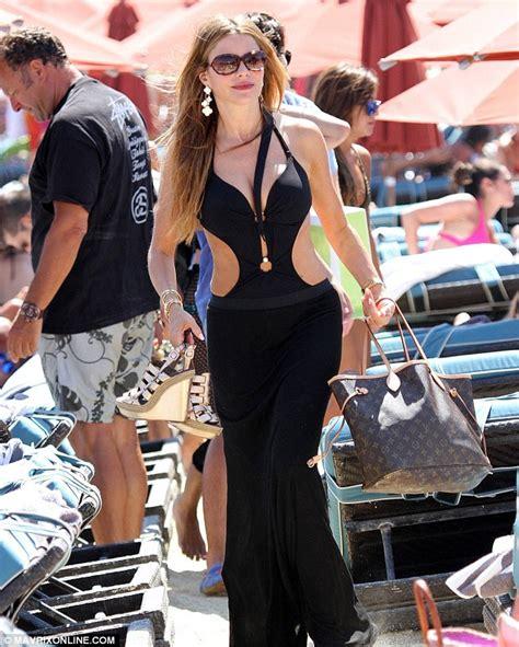 sandra vergara lou sofia vergara bikini in greece 03 gotceleb