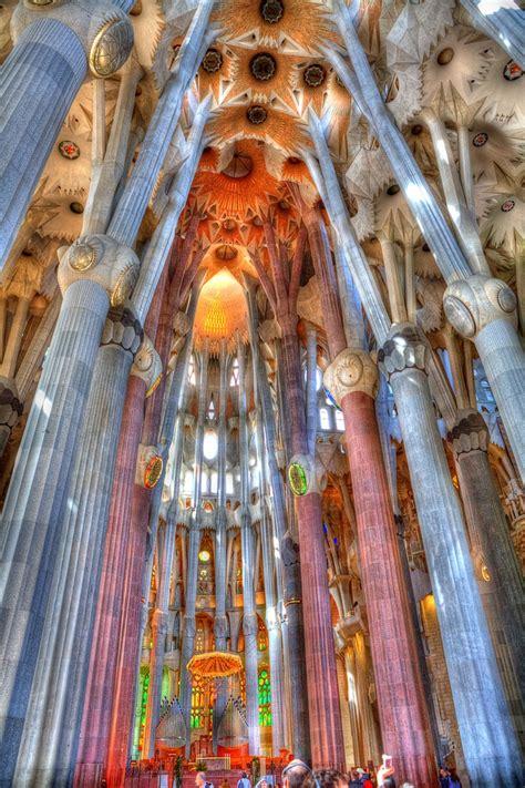 inside the Sagrada Familia, Barcelona   PHOTO FABULOUS (No