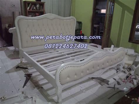 Tempat Tidur Caisar Di Medan tempat tidur putih klasik harga set kamar utama peseanan