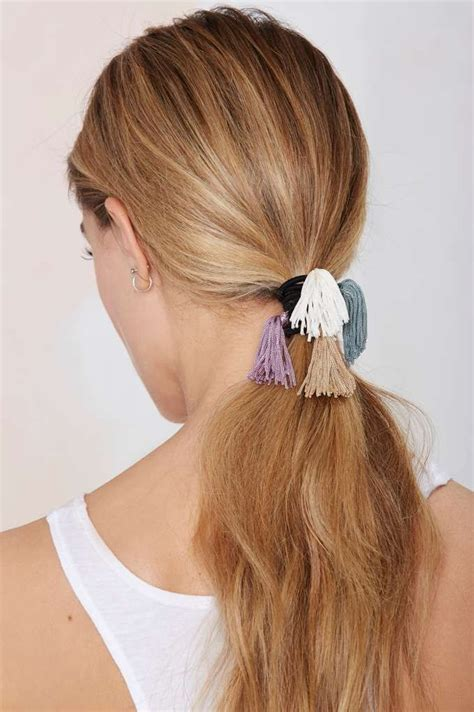 easy hairstyles with one hair tie 10 best queue de cheval images on pinterest horse tail