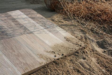 piastrelle finto legno per esterni pavimenti finto legno per esterni