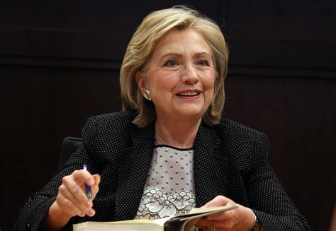 hillary clintons short bob cropped and stuled hairstyles successful women wear