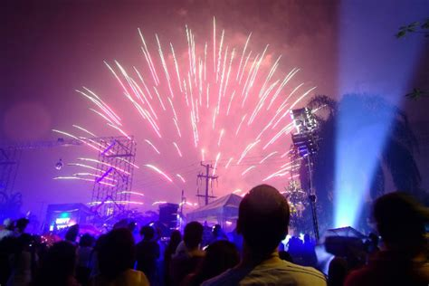 new year fireworks display philippines pnp to guards no guns to greet new year