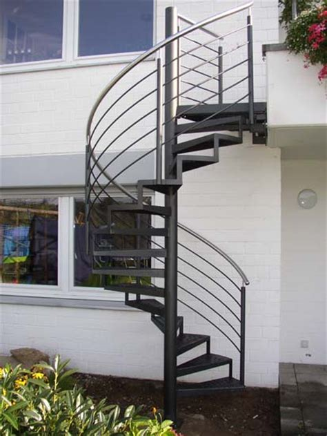 chestha au 223 en spindeltreppe idee - Stufenmatten Für Schmale Treppen