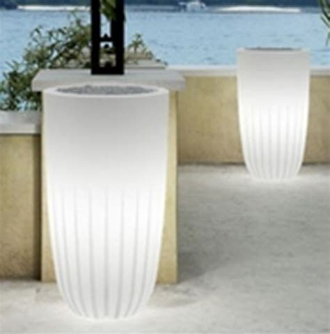 Large Lightweight Outdoor Planters by 70 Best Images About Plastic Fantastic Lightweight