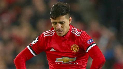 alexis sanchez not nominated alexis s 225 nchez manchester united move has been hard