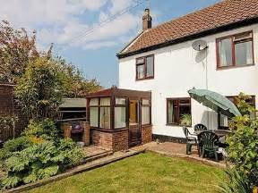 Cottages In Great Yarmouth by Cottage Great Yarmouth Reviews And Information