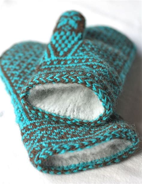 knitted mitten patterns 17 best ideas about knitted mittens pattern on