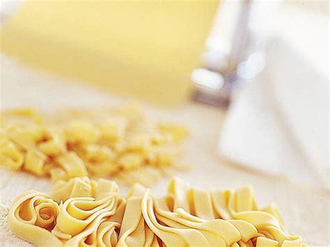 come si fa la pasta sfoglia in casa come si fa la pasta fresca in casa sale pepe