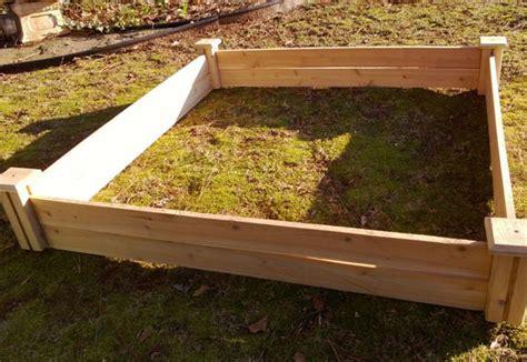 manage  side yard  weedsgarden  home