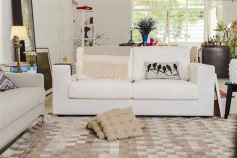 sofa oppa sala de estar neutra e integrada com sof 225 kappa e tapete