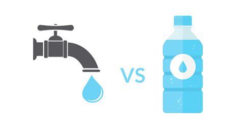 acqua rubinetto o bottiglia acqua rubinetto o acqua in bottiglia ci rifletto