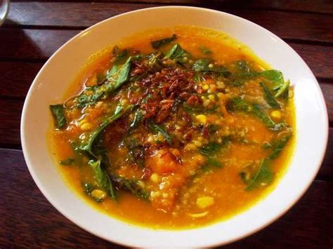 Indomie Cakalang Goreng Khas Manado Sulawesi Utara 10 Bungkus 8 makanan khas yang lezat di manado